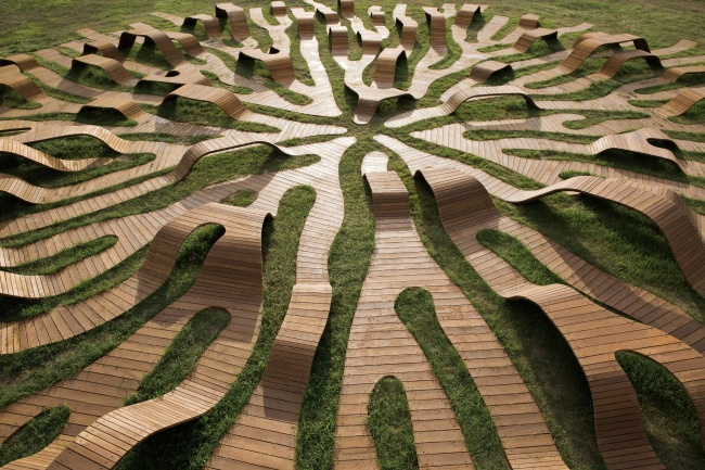 """Root Bench"" by Lee Yong-ju (Hangang Project Headquarters)"