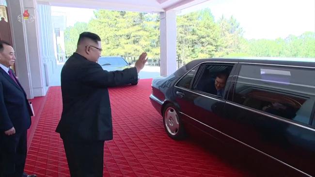 North Korea`s leader Kim Jong-un sees off the South Korean delegates. Yonhap