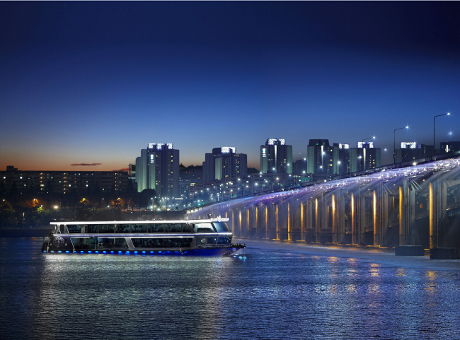 E-Land Cruise glides on the Han River (Eland Cruise)