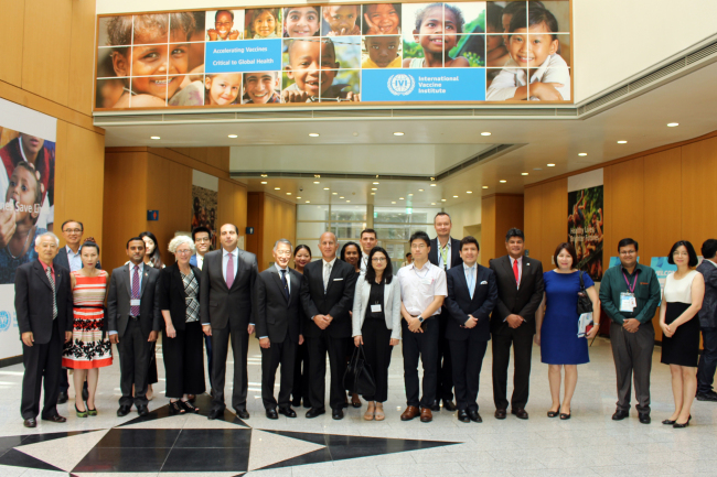 Participants, including foreign diplomats and ambassadors, pose at the International Vaccine Institute in Seoul on Sept. 4. (International Vaccine Institute)