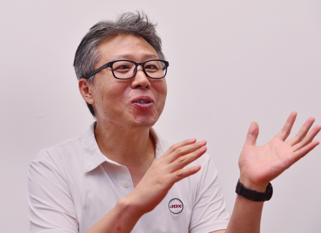 Song Young-hee, CEO of social enterprise N Visions, speaks during an interview with The Korea Herald. (Park Hyun-koo/The Korea Herald)
