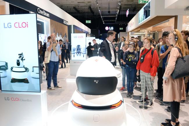 LG Roboter auf der IFA