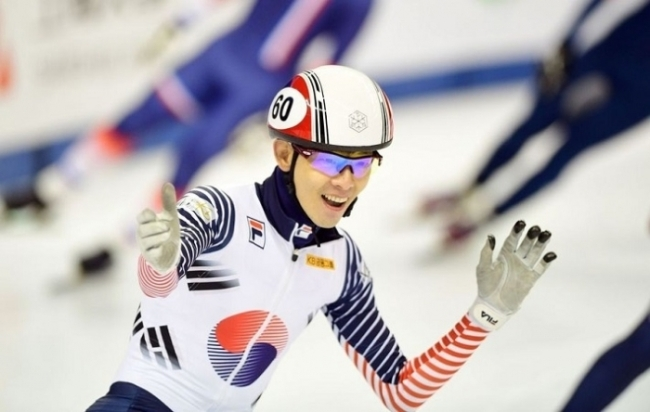 Short track speed skater Lee Jung-su (AFP-Yonhap)
