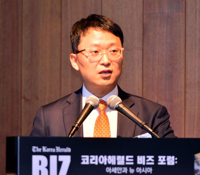 Jeong Cheol, lawyer at Jipyong LLC, speaks at the Korea Herald Biz Forum on Tuesday. (Park Hyun-koo/The Korea Herald)