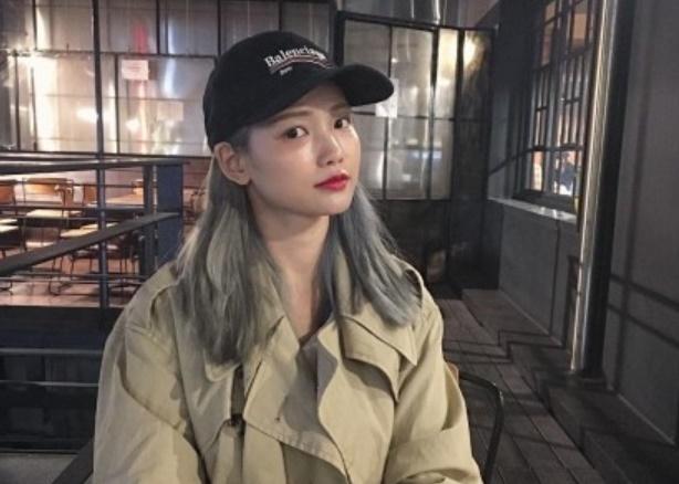 Actress Ha Yeon-soo wearing a Bernie Sanders-inspired Balenciaga baseball cap. (Ha Yeon-soo's Instagram)