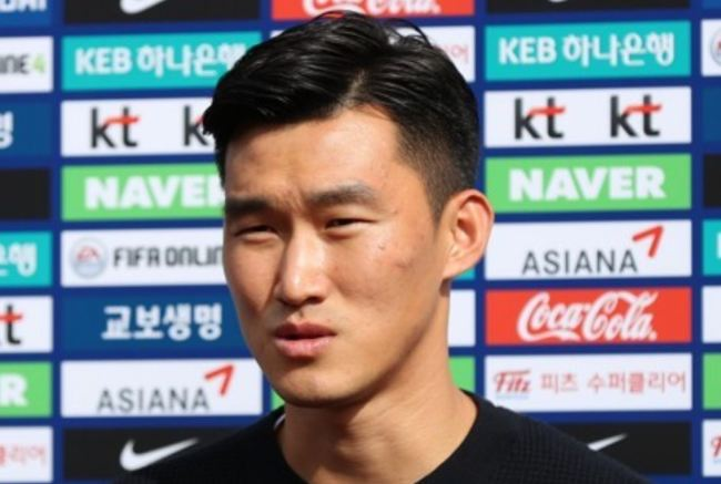 This file photo taken Oct. 8, 2018, shows South Korea national football team defender Jang Hyun-soo speaking to reporters at the National Football Center in Paju, north of Seoul. (Yonhap)