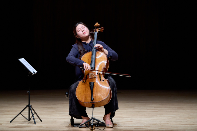 Lee Sang-eun, co-winner of the first prize at Isang Yun Competition 2018, performs in the first round in Tongyeong, South Gyeongsang Province, on Oct. 29 (TIMF)