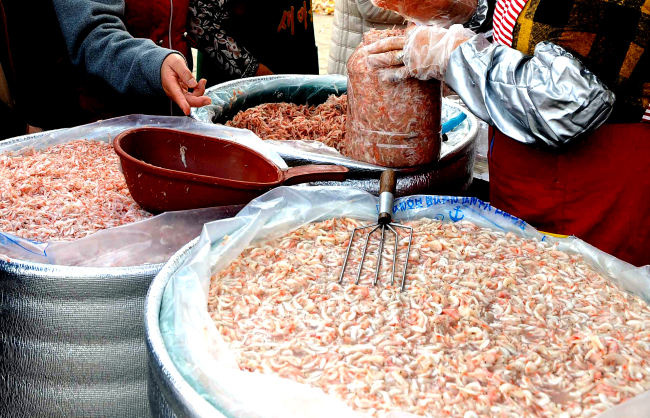 Salted shrimp goes well with pork dishes and broths. (Park Hyun-koo/The Korea Herald)