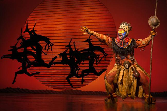 Mukelisiwe Goba as Rafiki and the North American Tour Company.