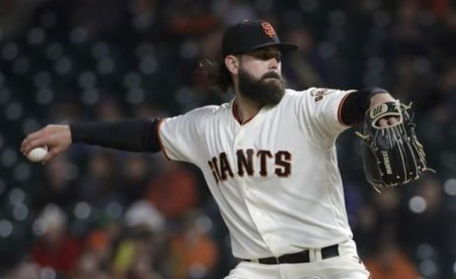 In this Associated Press file photo from Sept. 26, 2018, Casey Kelly, then of the San Francisco Giants, pitches against the San Diego Padres in the top of the first inning of a Major League Baseball regular season game at AT&T Park in San Francisco. Kelly has signed with the LG Twins in the Korea Baseball Organization. (Yonhap)