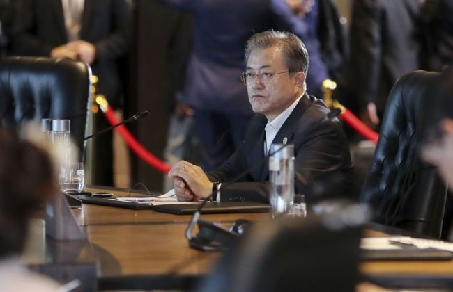South Korean President Moon Jae-in attends the summit meeting of the Asia Pacific Economic Cooperation (APEC) in Port Moresby, Papua New Guinea, on Nov. 18, 2018. Moon proposed APEC Digital Innovation Fund to support the regional group`s digital economic vision adopted last year. (Yonhap)