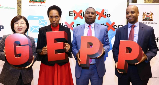 KT and Kenyan officials celebrate the launch of the Global Epidemic Prevention Platform in Nairobi on Tuesday. (KT)
