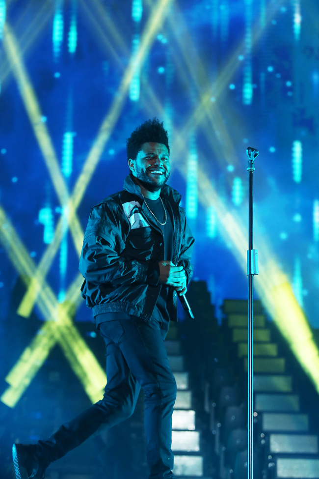 Canadian R&B artist The Weeknd performs at Gocheok Skydome in Seoul on Saturday. (Hyundai Card)