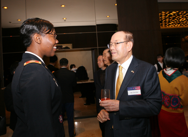 Retired Gen. Han Chul-soo, president of the Korea America Friendship Society and former deputy commander-in-chief of CFC (right) (KAFS)