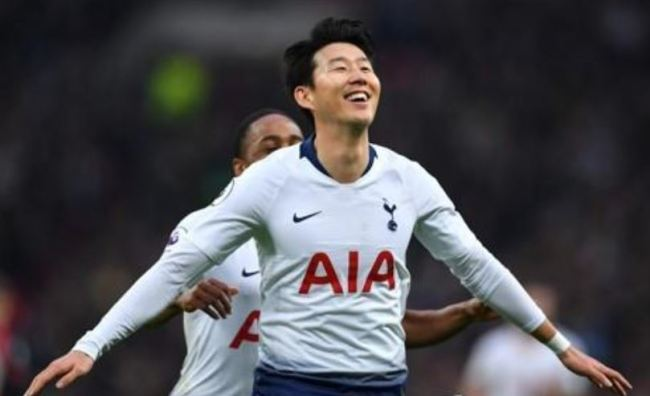 In this AFP photo, Tottenham Hotspur`s South Korean forward Son Heung-min celebrates scoring the team`s second goal during the English Premier League football match between Tottenham Hotspur and Bournemouth at Wembley Stadium in London, on Dec. 26, 2018. (Yonhap)