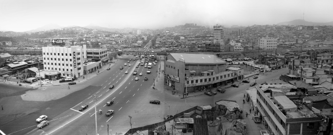 A 1978 photo of the area nearby Gongdeok Station, Gongdeok-dong, Seoul (Seoul Museum of History)
