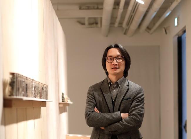 Artist Kim Joon (SongEun Art and Cultural Foundation)