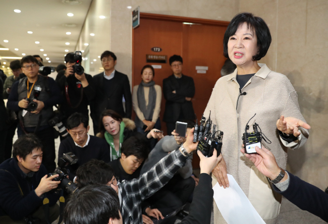 Rep. Sohn Hye-won answers questions at a press conference at the National Assembly in western Seoul on Sunday after announcing her decision to leave the ruling party amid snowballing allegations of property speculation. (Yonhap)