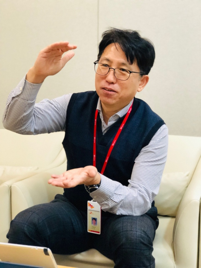 Kim Dong-kyun, research fellow for DRAM design at SK hynix, speaks during an interview with The Korea Herald at the company's headquarters in Icheon, Gyeonggi Province, Jan. 16. (SK hynix)