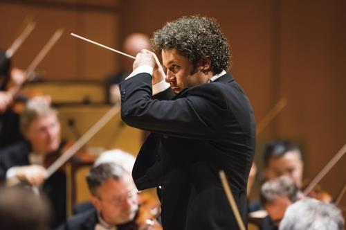 Conductor Gustavo Dudamel of the Los Angeles Philharmonic (Mast Media)