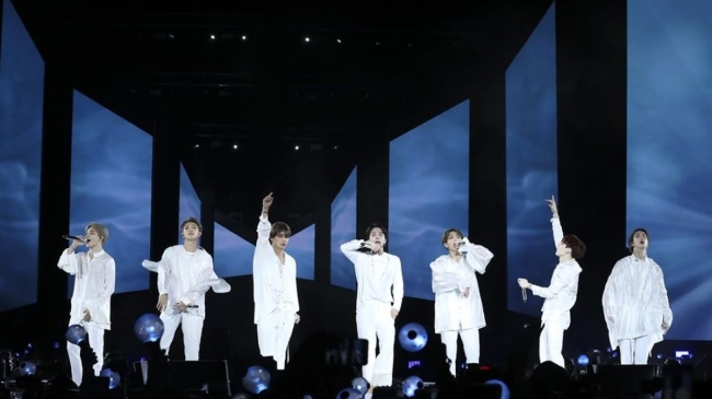 BTS performs at Citi Field in New York, US, Oct. 6, 2018 (Yonhap)