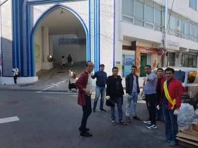 Yemeni asylum seekers stand in front of the Seoul Central Mosque in Itaewon, central Seoul. (Union of Yemen Community in Korea)