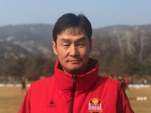 FC Seoul head coach Choi Yong-soo poses for a photo at his club`s training facility in Guri, Gyeongi Province, on Feb. 21, 2019. (Yonhap)