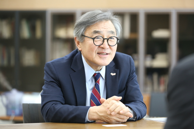 Moon Kil-choo speaks during an interview with The Korea Herald. (UST)