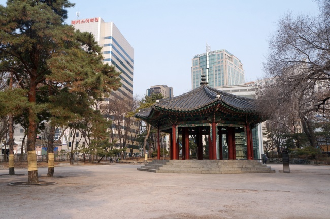 Tapgol Park (Im Eun-byel/The Korea Herald)