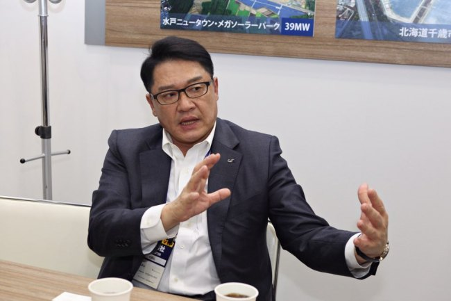 LSIS CEO and Chairman Koo Ja-kyun speaks at an interview in Tokyo. He was visiting LSIS' booth set up for the Photovoltaic System Expo held in the capital city of Japan last week. (LSIS)