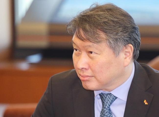 SK Chairman Chey Tae-won (SK)