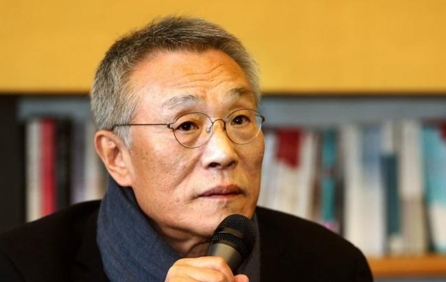 Novelist Hwang Sok-yong (Yonhap)