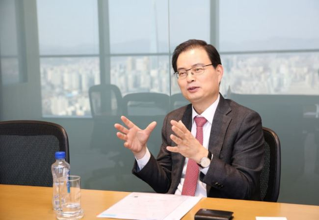 Yulchon Managing Partner Yoon Hee-woong speaks during the interview with The Korea Herald. (Yulchon)