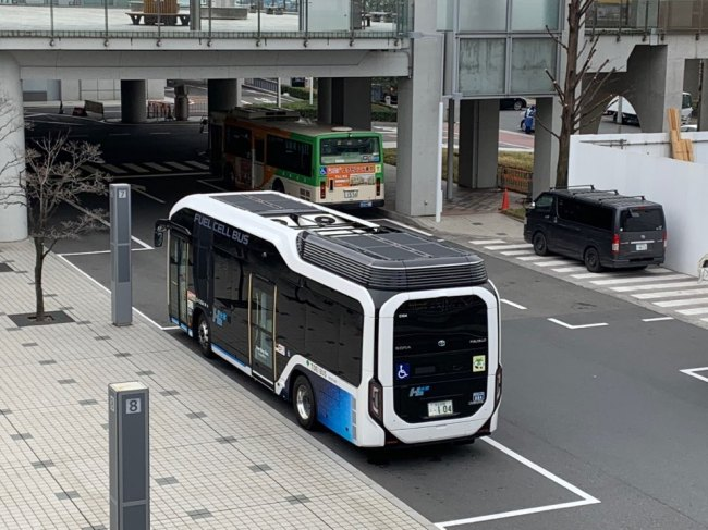 A fuel cell bus manufactured by Toyota is seen outside of Tokyo Big Sight where FC Expo was held last month. (Cho Chung-un/The Korea Herald)