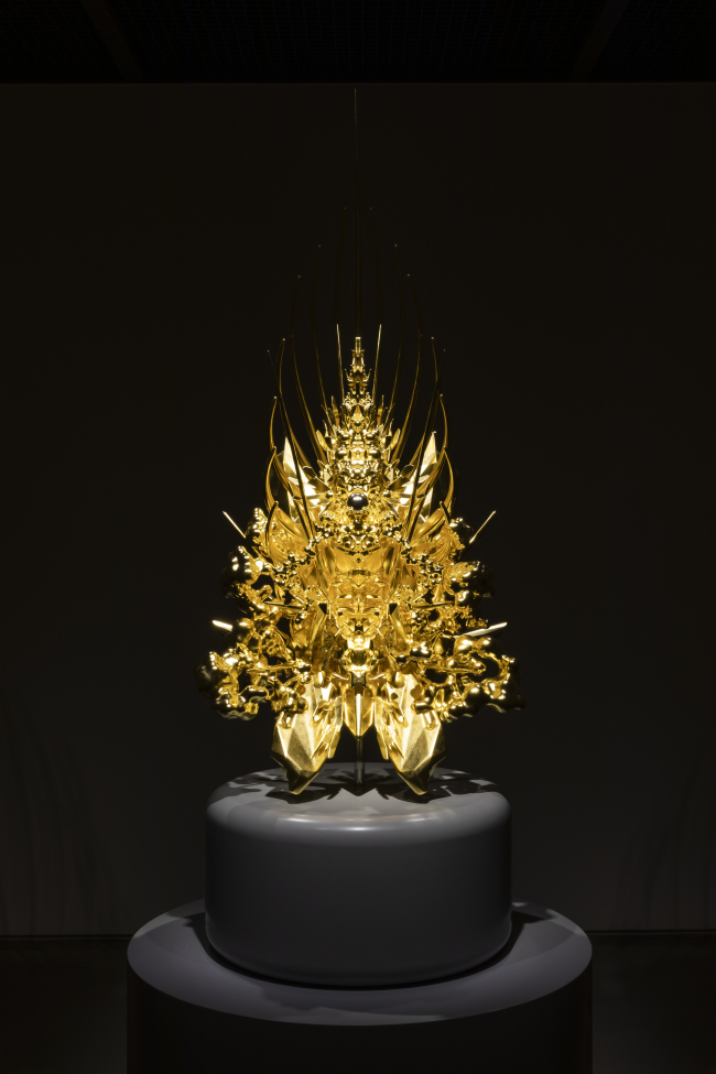 """This Kohei Nawa's """"Throne"""" sculpture is a miniaturized version of 10.4-meter-high sculpture work installed under under I.M. Pei's 1989 glass pyramid in the Louvre's main courtyard in the last year. (Arario Gallery)"""