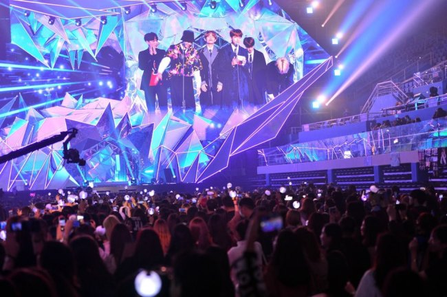 BTS performs at MBC Plus x Genie Music Awards 2018 (Park Hyun-koo, The Korea Herald)