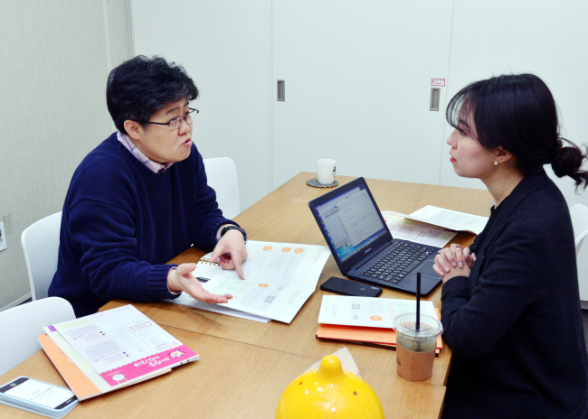 Director Cho speaks in an interview with The Korea Herald in Seoul. (Park Hyun-koo / The Korea Herald)