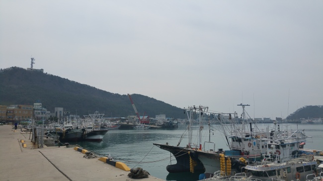 A port off the coast of Taean / Yoon Min-sik/The Korea Herald