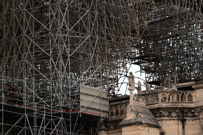 Photo taken on April 16, 2019 shows the damaged Notre Dame Cathedral after a fire in Paris, France. (Yonhap)