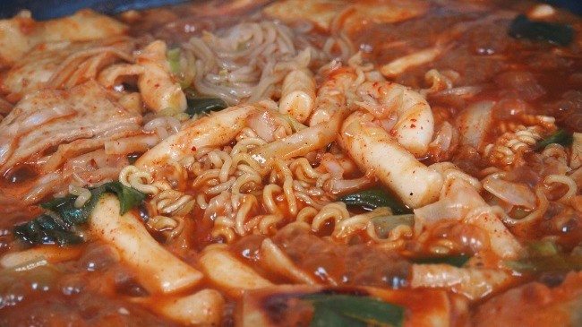 Tteokbokki (Lee So-jung / The Korea Herald)