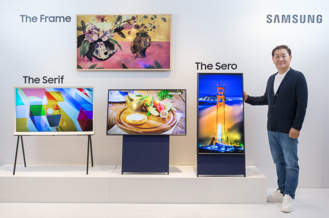 Samsung Electronics' Visual Display Business President Han Jong-hee introduces the 2019 lineup of Lifestyle TV on Monday. (Samsung Electronics)