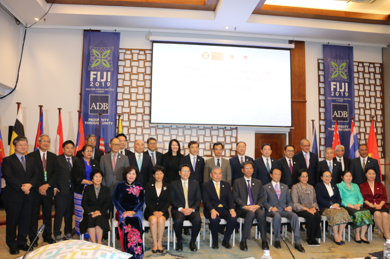 Participants pose at the 22nd ASEAN Plus Three Finance Ministers' and Central Bank Governors' Meeting held Thursday in Nadi, Fiji (Bank of Korea)