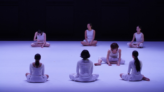 "A scene from ""HereThere"" by choreographer Ahn Ae-soon (Film Age)"