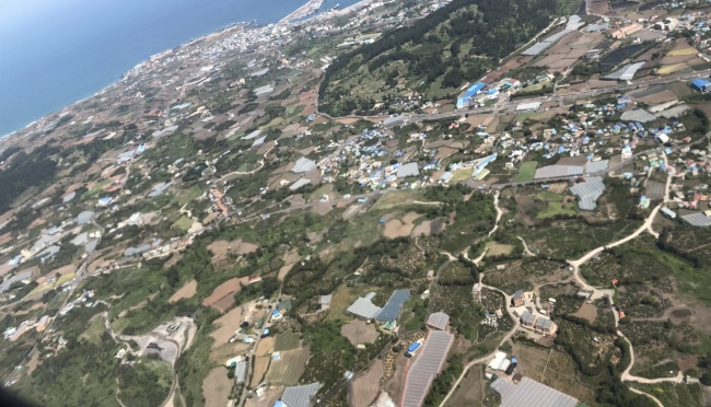 An aerial view of Jeju (Lim Jeong-yeo/The Korea Herald)