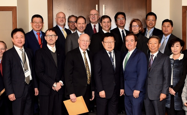 Participants attend an inauguration ceremony of the trade advisory panel set up by the Korea International Trade Association in Washington, DC, Tuesday. Among those attending were former US Ambassador to Mexico James Jones (third from left, front row), KITA Chairman Kim Young-ju (fourth from left) and Edward Royce, former chairman of the United States House Committee on Foreign Affairs (third from right). KITA