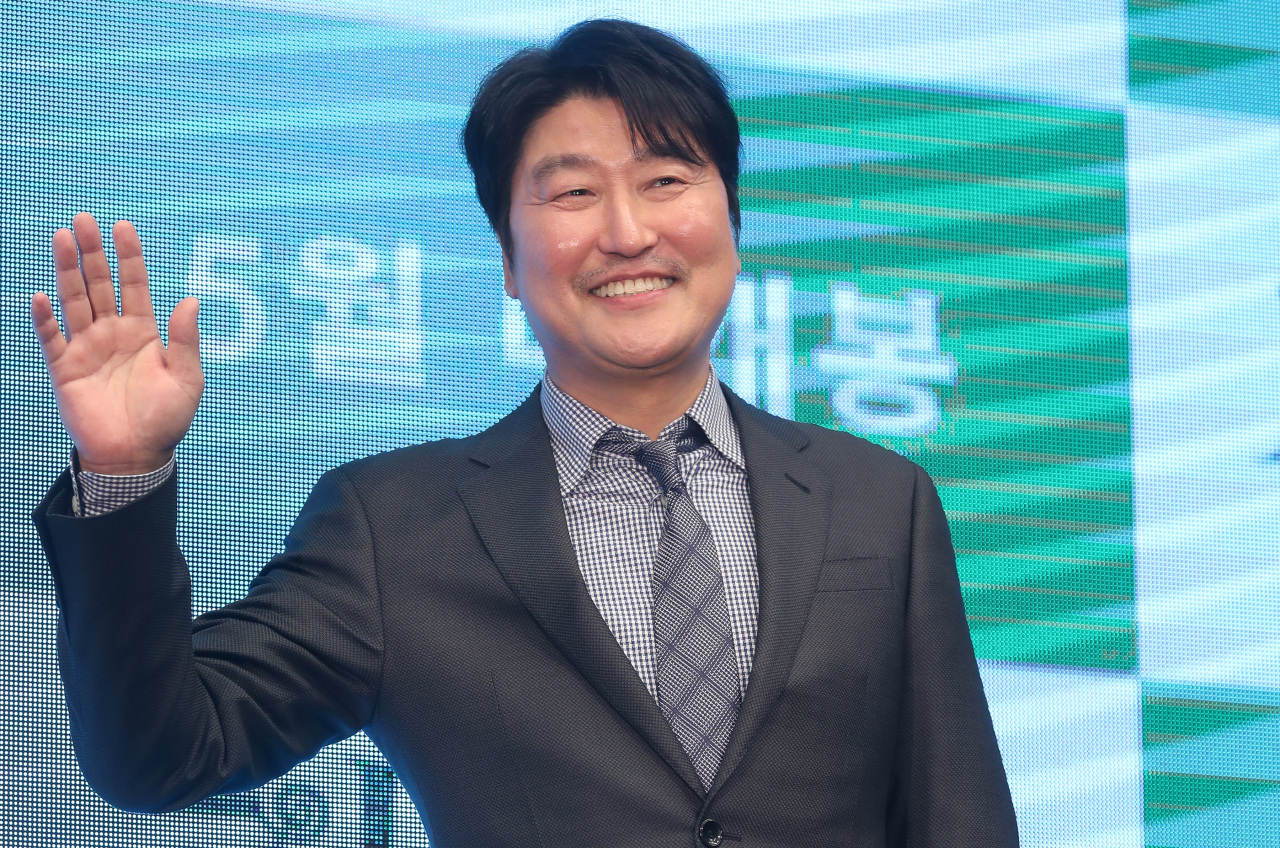 """Actor Song Kang-ho poses for photos during a press conference for """"Parasite,"""" held at The Westin Chosun Seoul on April 22. (Yonhap)"""