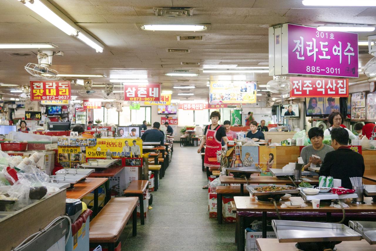 Sillim-dong Sundae Town (Lee Sun-hye/The Korea Herald)