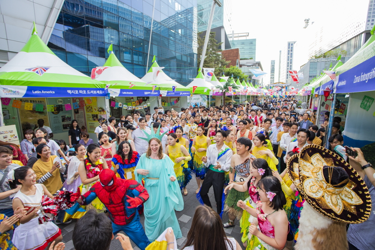 Participants of the 2019 Culture expo take part in a parade in Seoul. International Youth Fellowship