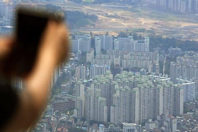 An apartment complex in Seoul (Yonhap)