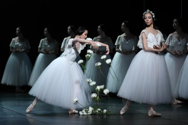 "The Korea National Ballet performs ""Giselle"" (Korea National Ballet)"